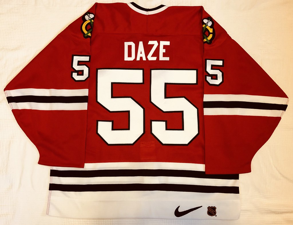 1996-97 Eric Daze Chicago Blackhawks Away Jersey Back