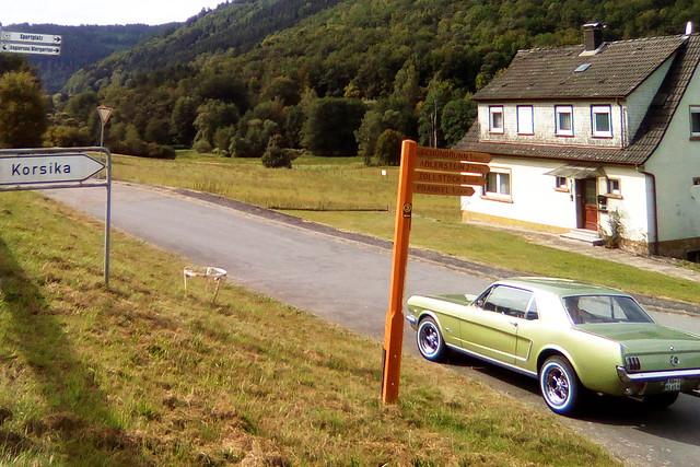 Odenwald-Rundfahrt ... Oldtimer Mustang 1965, Pommes, Pfauenaugen und Nussecken ... Korsika ... Foto: Brigitte Stolle