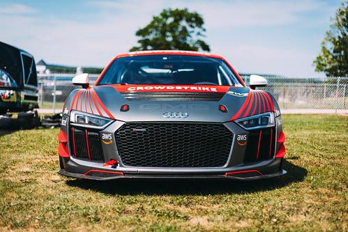 Audi R8 LMS GT4 Photo