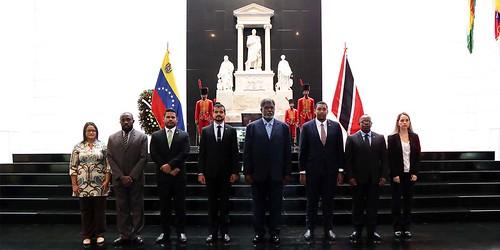 Embajador de Trinidad y Tobago rinde honores al Libertador Simón Bolívar
