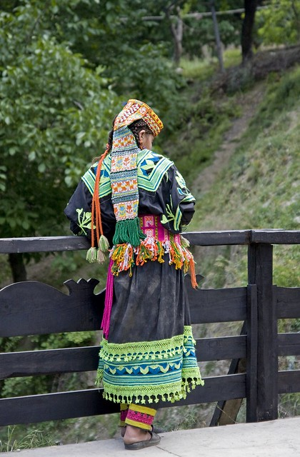 Looking - Kalash 2009