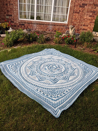 Linda says she only knows how to crochet by following the videos for the crochet projects she has made! This one is Sacred Space by Helen Shrimpton.