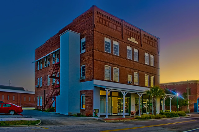 IOOF/WOW Building, 200 W Oak Street, City of Arcadia, Desoto County, Florida, USA / Built: 1914 / Floors: 3 / Exteror Walls: Brick / Owner: Desoto Properties Inc.