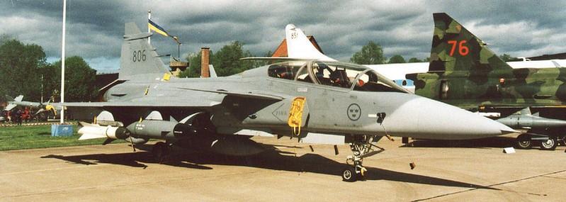 SAAB J 39B Gripen 00002