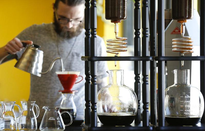 So sánh cà phê lạnh (cold brew) và cà phê truyền thống (1)