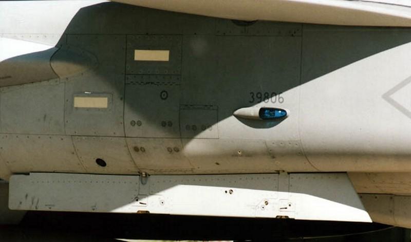 SAAB J 39B Gripen 00017