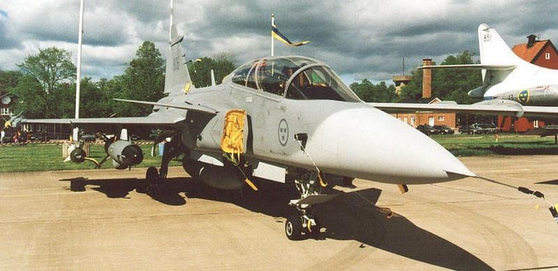 SAAB J 39B Gripen 00001