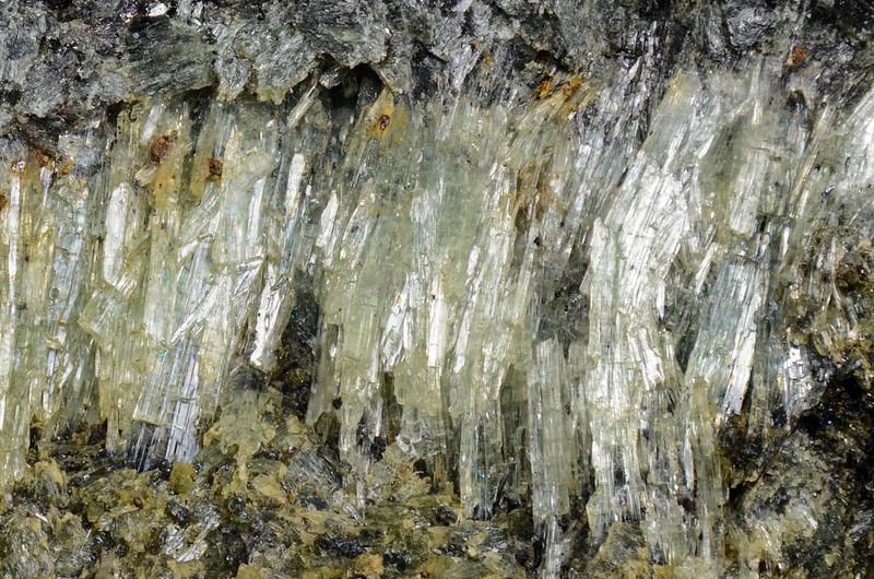 アクチノ閃石 / Actinolite