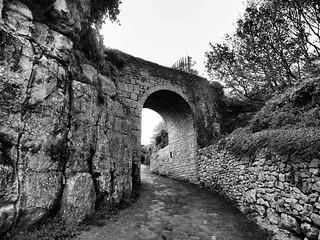 folly arch