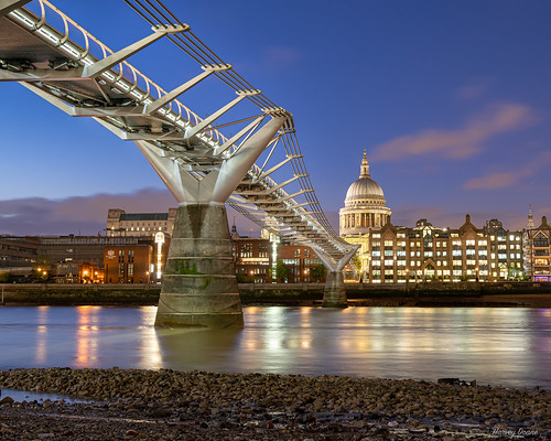 bridge river thamesriver england london uk millenniumbridge architecture night lights stpauls suspensionbridge pedestrianbridge sonya7iii