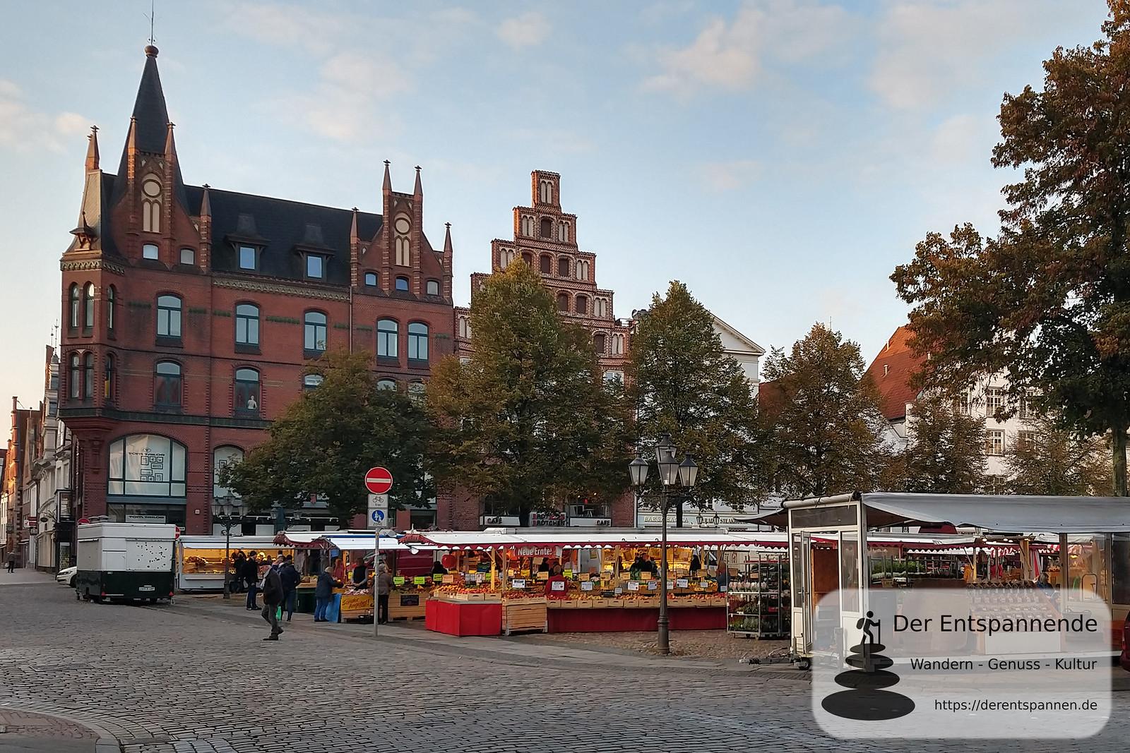 Wochenmarkt auf dem Lüneburger Marktplatz