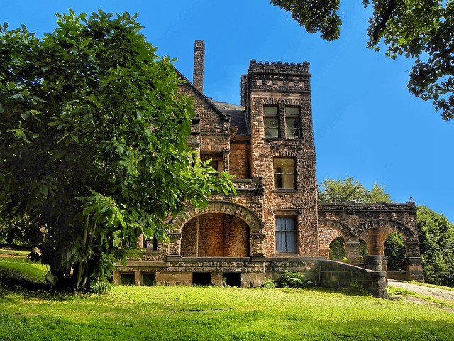 Sharon PA ~ Victorian Stone Mansion on The Hill - United States