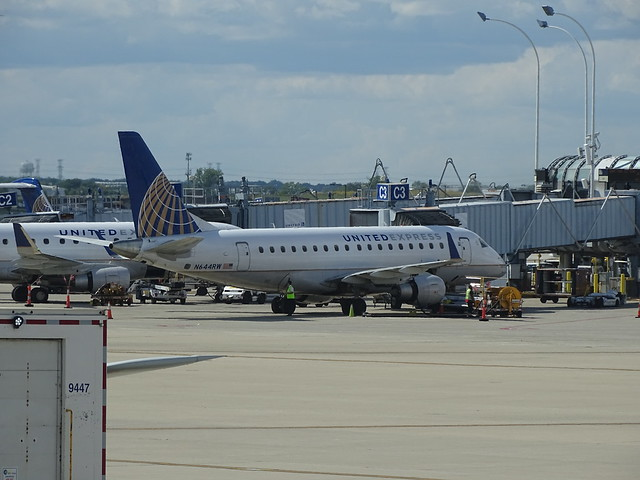 United Express (Republic) Embraer E-170 N644RW