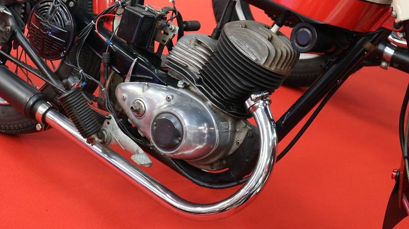 Harley Davidson 165 ST / Moteur DKW 165 Cm3 / 1959 48886990521_73a33cf177_c
