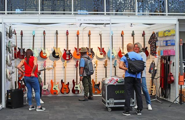 Brian May Guitars (1)