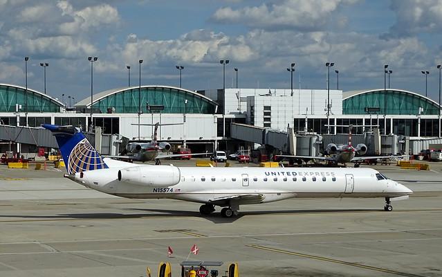 United Express (Expressjet) Embraer ERJ-145LR N15574