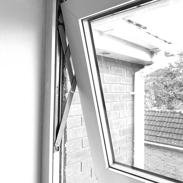 Replaced window hinge
