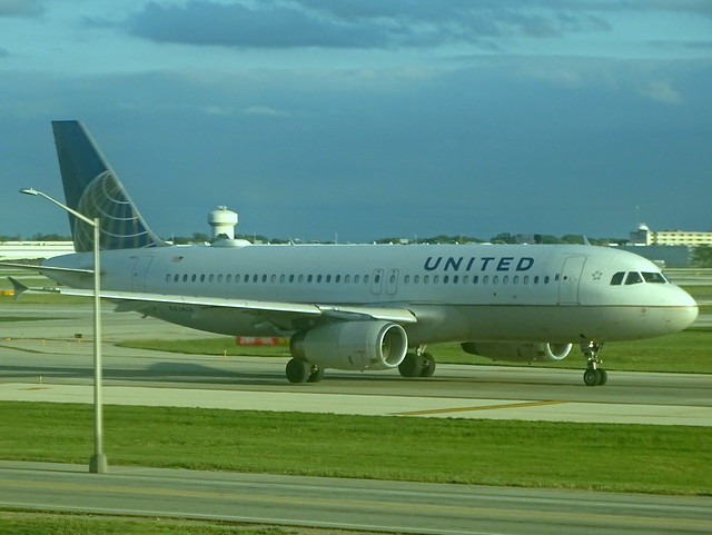 United Airlines Airbus A320-232 N434UA