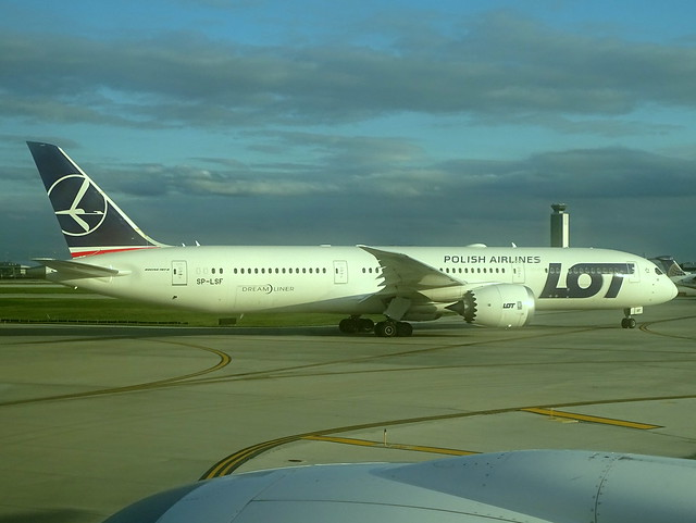 LOT Boeing 787-9 SP-LSF