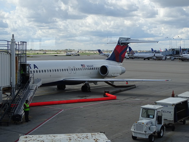 Delta Air Lines Boeing 717 N964AT
