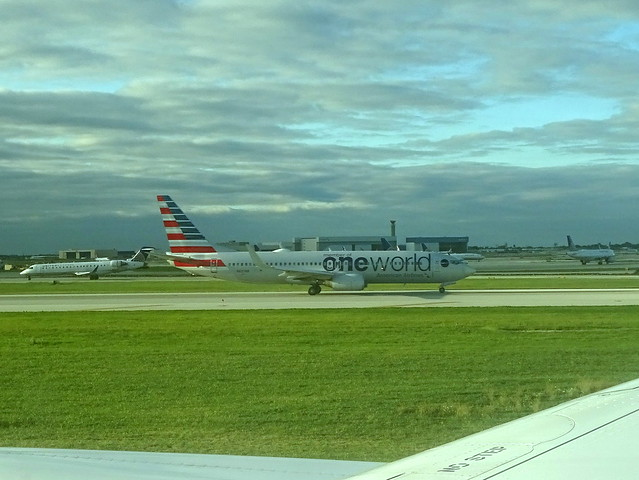 American Airlines Boeing 737-823 N837NN