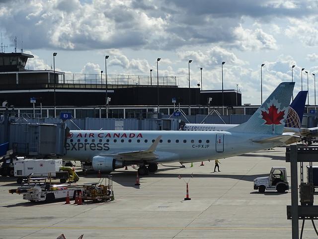 Air Canada Express (Sky Regional) Embraer E-175LR C-FXJF