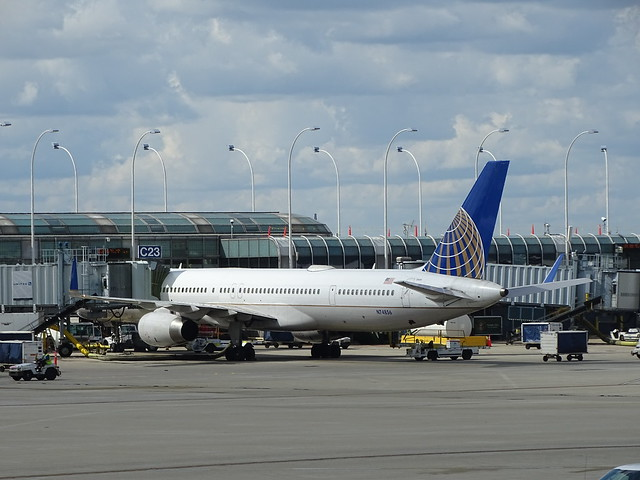 United Airlines Boeing 757-300 N74856