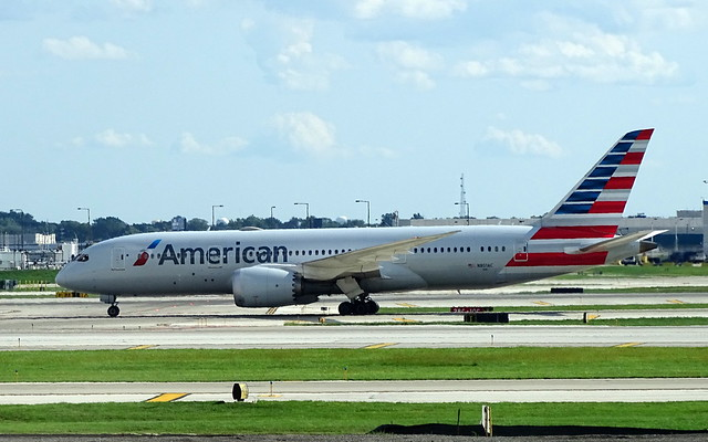 American Airlines Boeing 787-8 N801AC