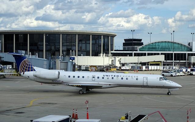 United Express (Expressjet) Embraer ERJ-145LR N12569