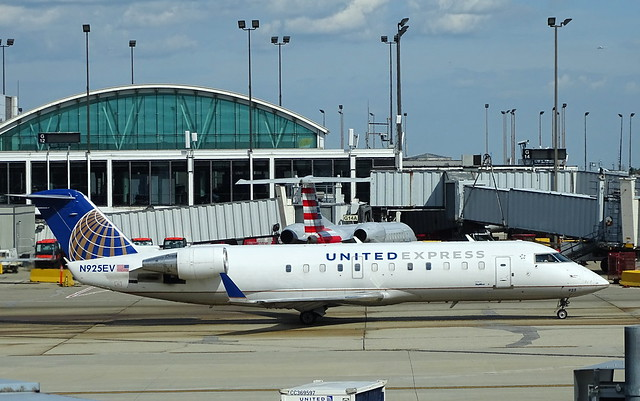 United Express (Skywest) Bombardier CRJ-200ER N925EV
