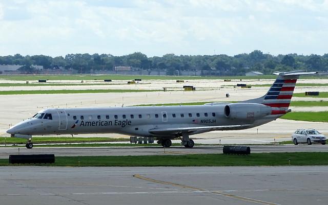 American Eagle Airlines Embraer ERJ-145LR N905JH