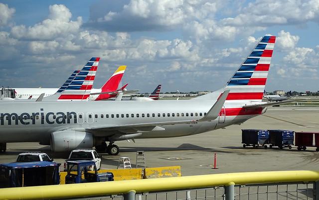 American Airlines Boeing 737-823 N811NN