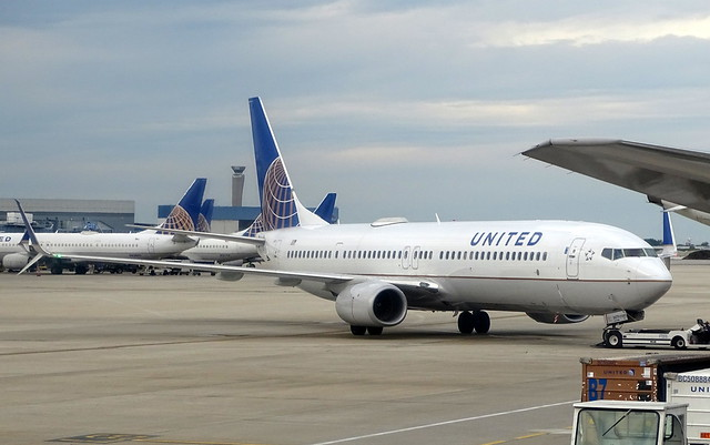 United Airlines Boeing 737-