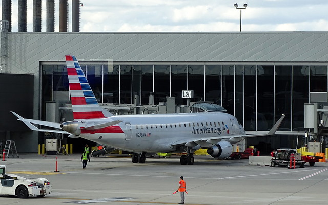 American Eagle (Envoy Air) Embraer E-170LR N238NN