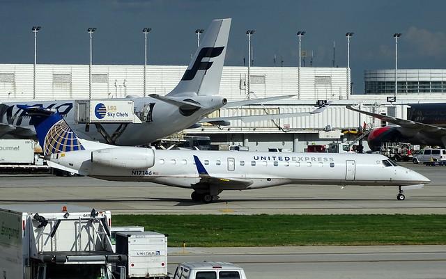 United Express (Trans States) Embraer ERJ-145XR N17146