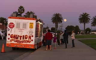 Ice Cream truck, Moonrise