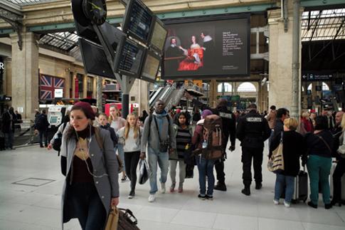 19j11 Gare du Nord_0015 variante Uti 485
