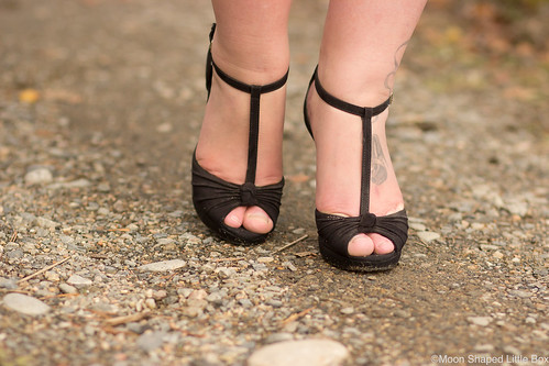 T-string-heels