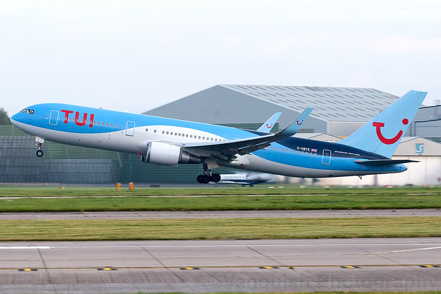 G-OBYE TUI Airways B767-300 Manchester Airport