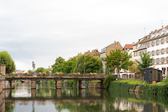 Bridge over the Ill river