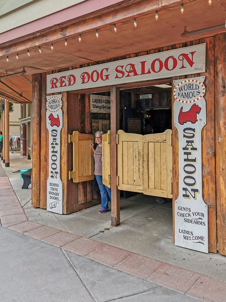 Alaska_Juneau_Red_Dog_Saloon