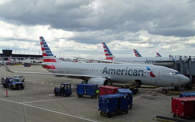 American Airlines Boeing 737-800 N941AN