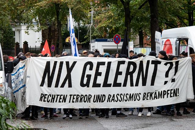 Demonstration gegen rechten Terror und  Antisemitismus - learnt nothing?!