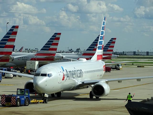 American Airlines Boeing 737-823 N869NN