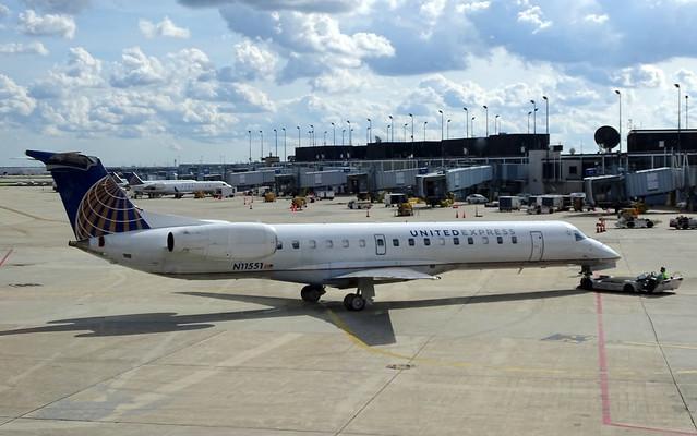 United Express (Expressjet) Embraer ERJ-145LR N11551