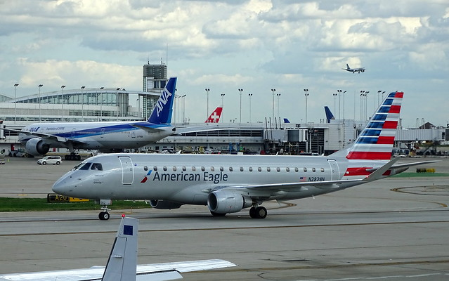 American Eagle (Envoy Air) Embraer E-175LR N282NN