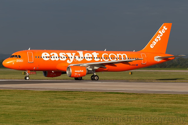 G-EZUI easyjet Airline A320 Manchester Airport