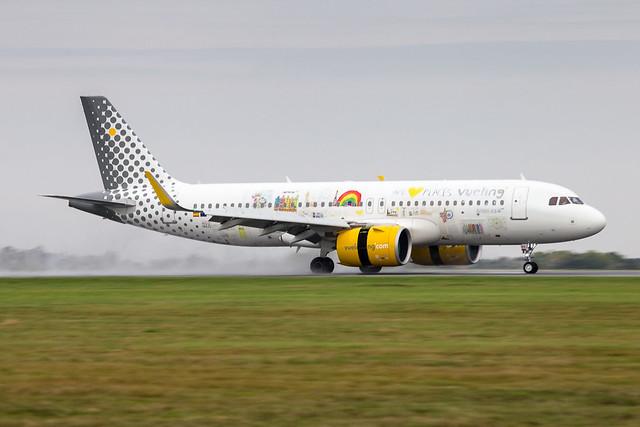 LIL - Airbus A320-271N (EC-NAJ) Vueling