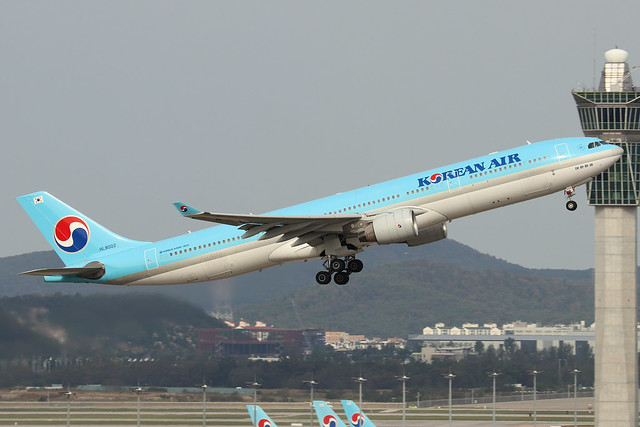 HL8002  -  Airbus A330-323  -  Korean Air  -  ICN/RKSI 6/10/19