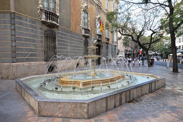 Fontein / Carrer del Poeta Querol / Valencia